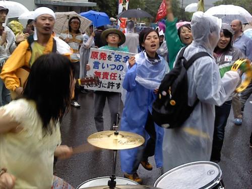 07010800 抗議を力づける音楽